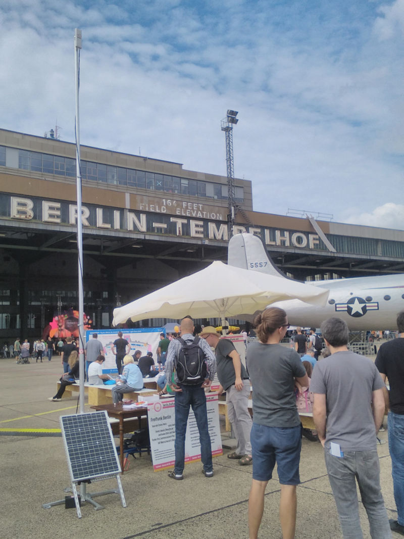Mobile Solarnode at Tempelhofer Feld in Berlin